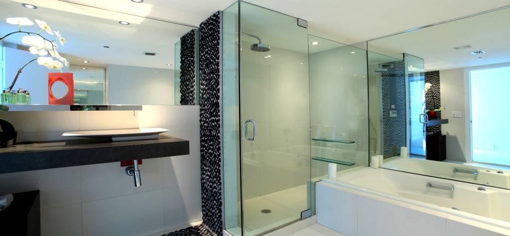 Mamparas de ba o y ducha mampara de ba o en espa a for Banos con tina y ducha
