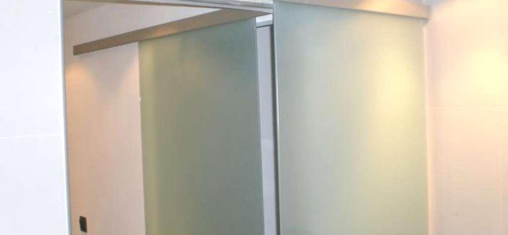 Puertas de cristal blindado en España